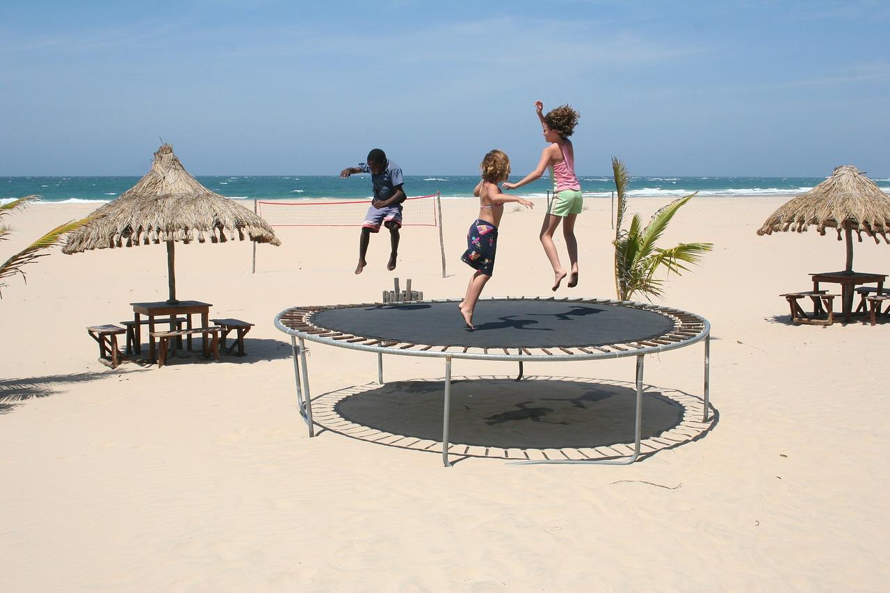 trampoline-241899_1280
